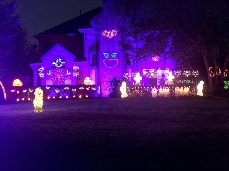 Local Homeowners Provide Halloween Light Shows